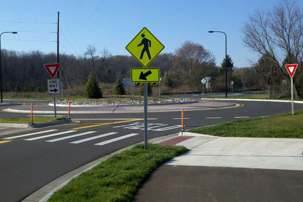 Arboretum Parkway Roundabouts and Boulevard