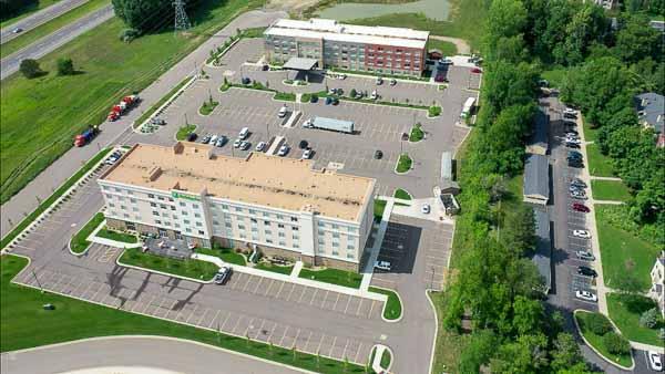 Holiday Inn drone web-4