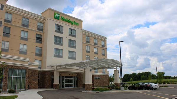 Holiday Inn web-7
