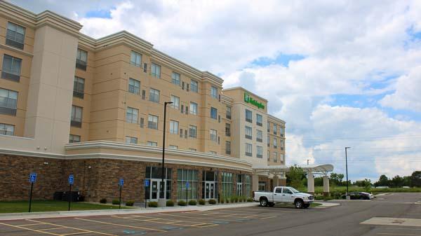 Holiday Inn web-8