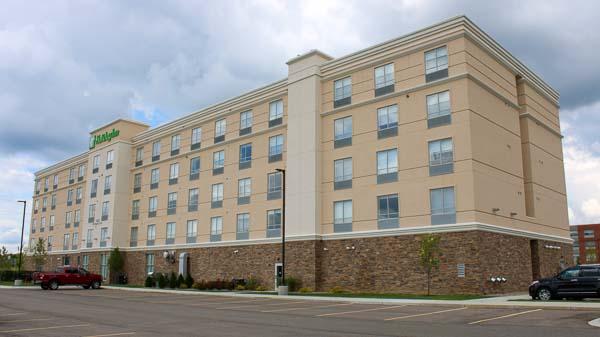 Holiday Inn web-9